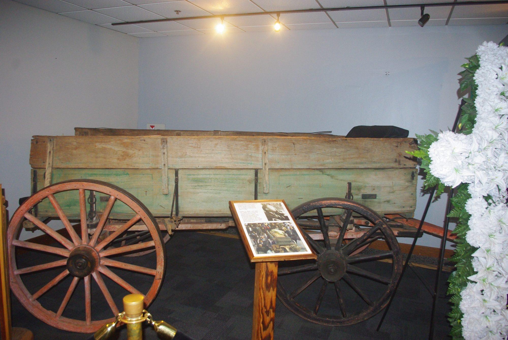 La charrette ayant porté son cercueil