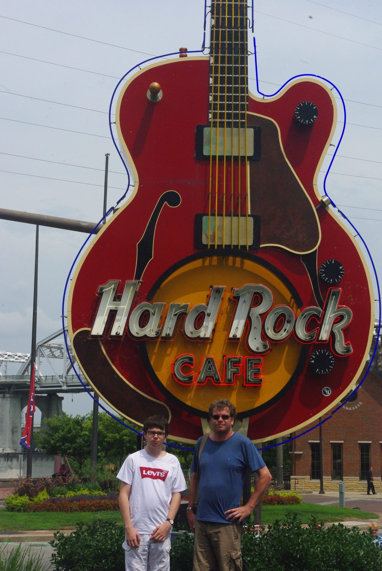 Notre petite visite rituelle au Hard Rock Café pour l'achat du Tee Shirt