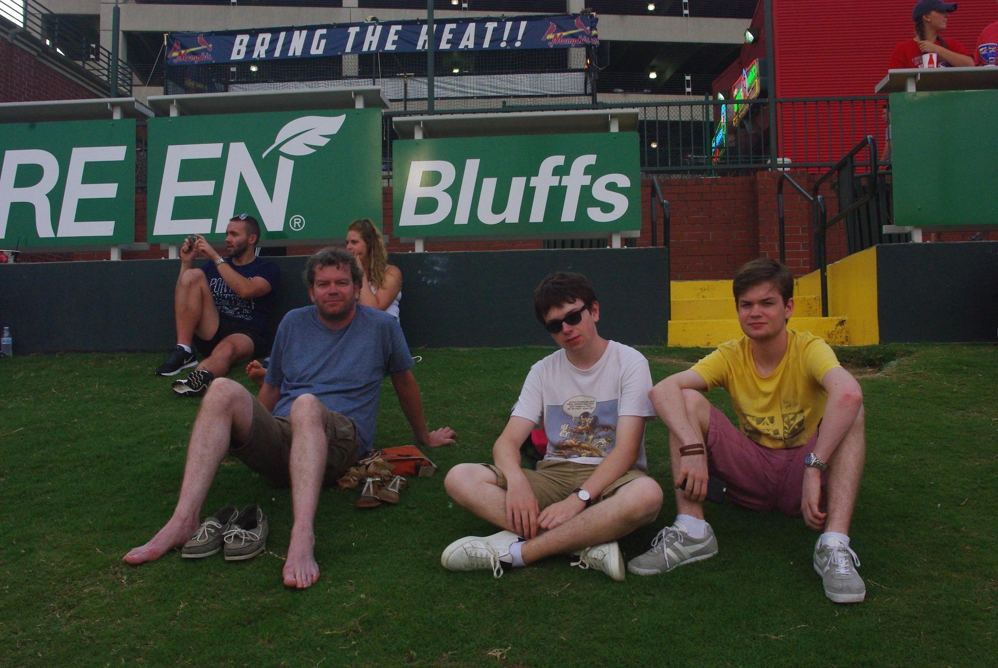 Nous sommes en tribunes «pelouse»