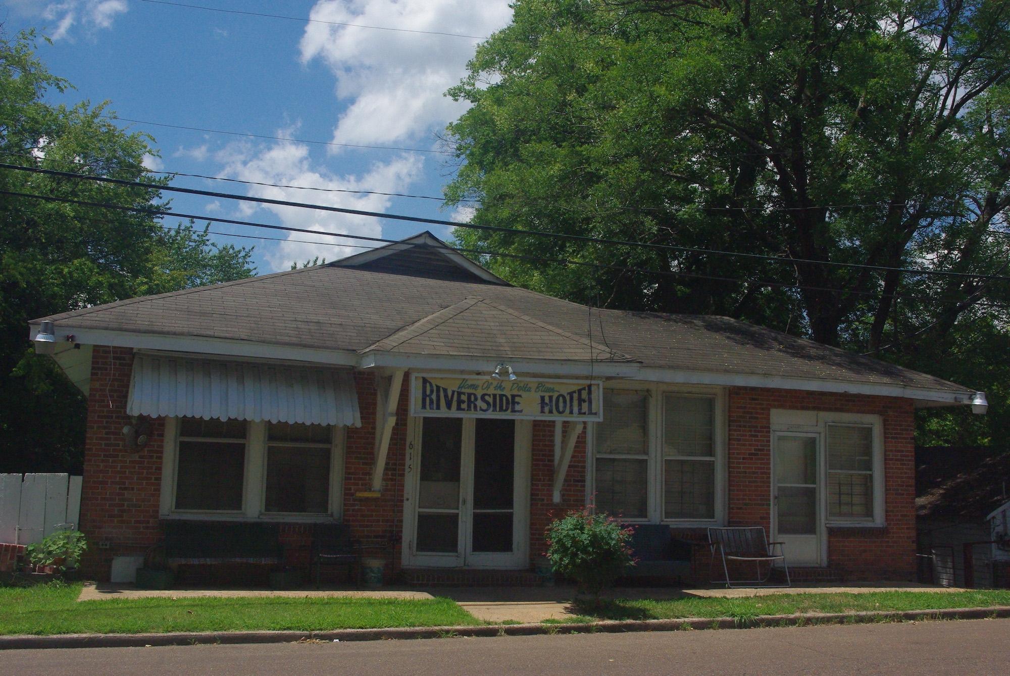 Avant d'être un hôtel, cet endroit était un hôpital pour afro américains. La chanteuse Bessie Smith y est morte après un accident de voiture en 1937