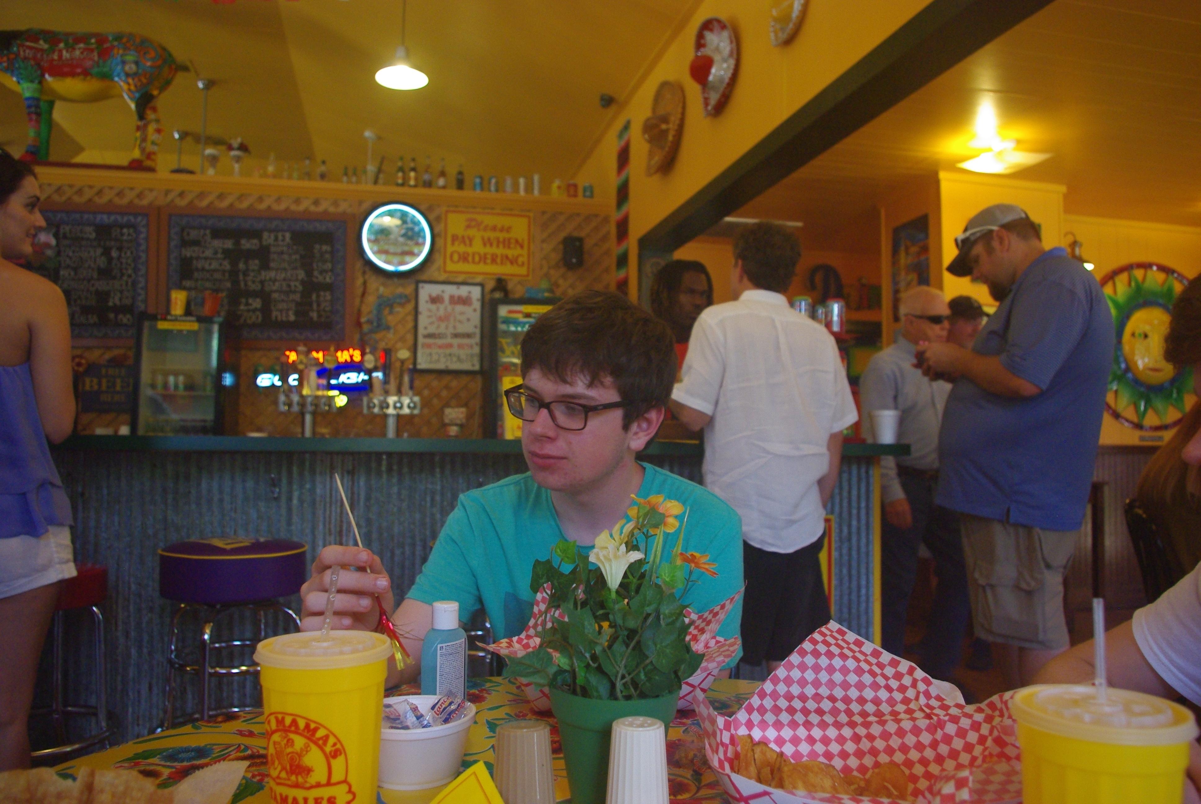 Arrêt déjeuner chez Fat Mama's dont la spécialité est le tamales. C'est un plan d'origine sud américaine constitué d'une feuille de maïs contenant une farce avec de la viande et de la farine de maïs. En fait on ne sait pas vraiment ce qu'il y a à l'intérieur car la recette varie énormément.