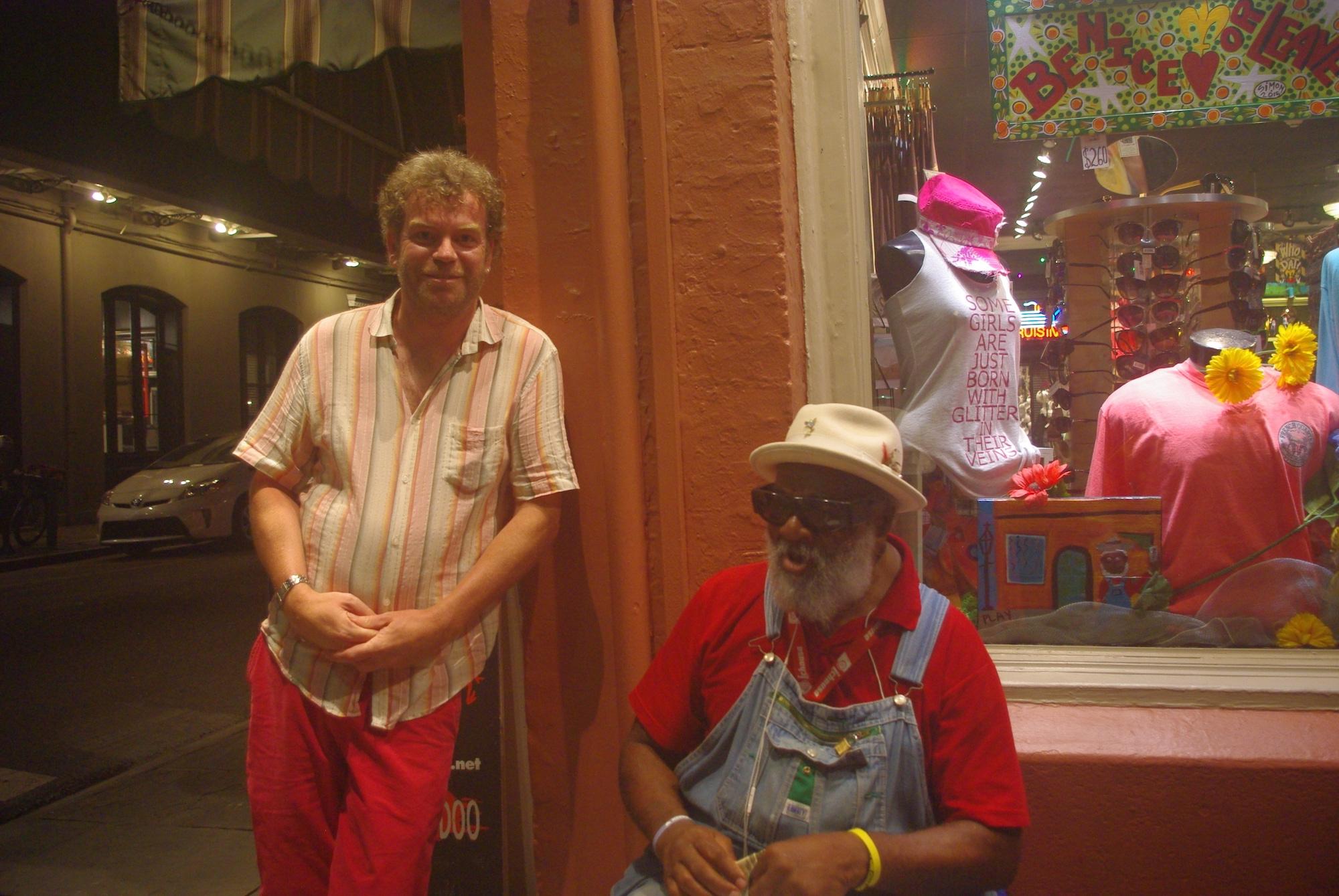 Grand Pa Elliott rencontré au coin de la rue