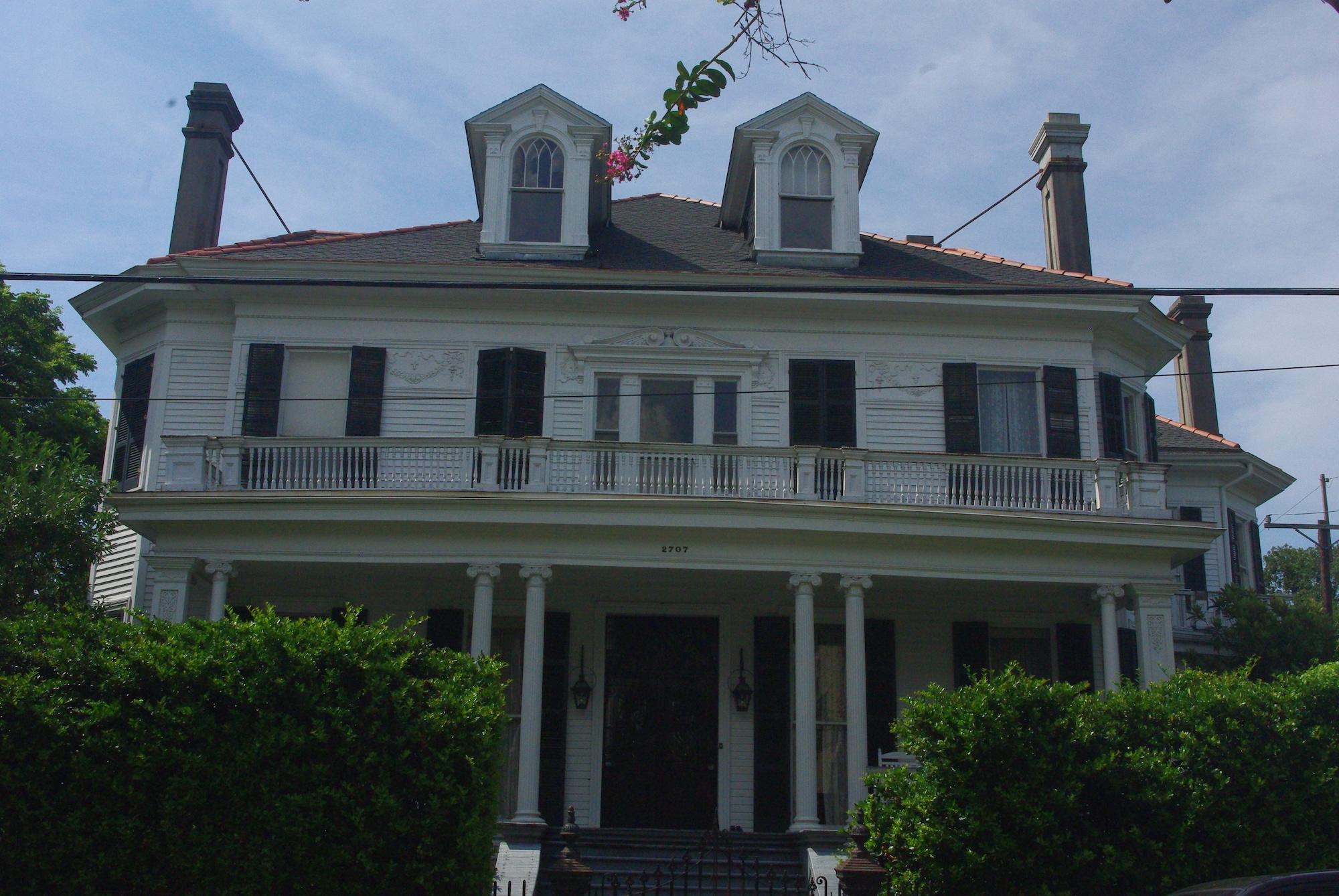 """Cette maison a servi de décor pour le film """"L'étrange vie de Benjamin Button"""" de Tim Burton"""
