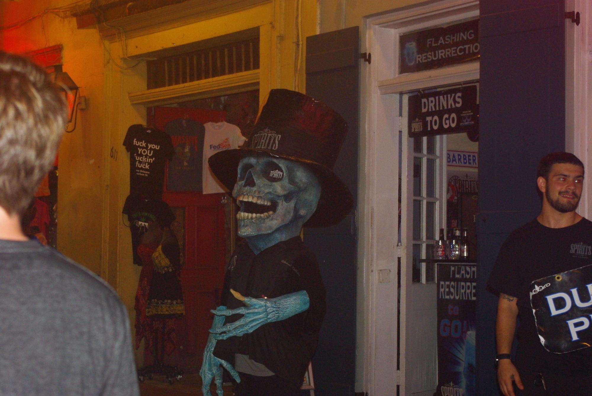 Des personnages bien bizarres sur Bourbon Street